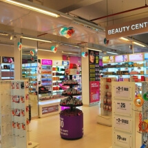 Big Bazaar Thane - Hair and makeup
