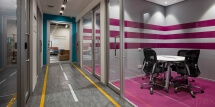 interior-pink-meeting-room-road-theme-office-modern-Apex Projects