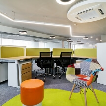 modern-open-office-breakout-area